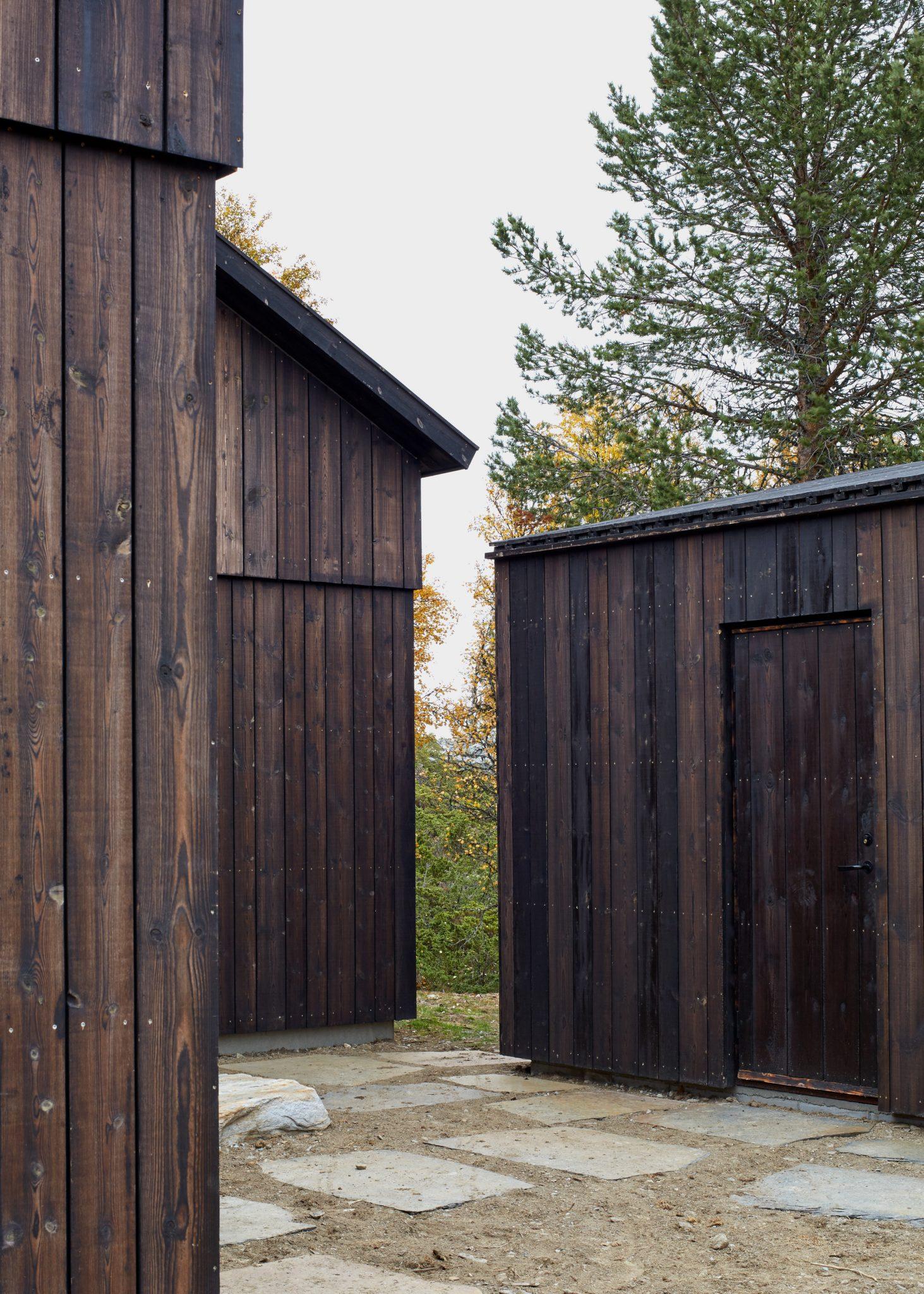 Thomas Adank - Heggesætra House, Norway by Hesselbrand